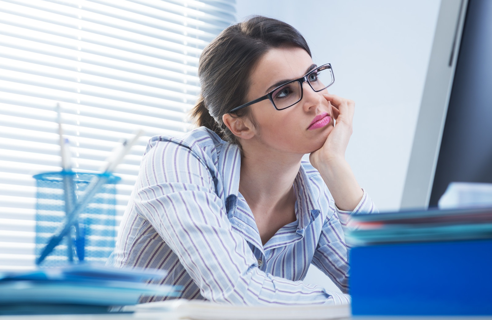 Cleveland CPA woman waiting by computer.jpg